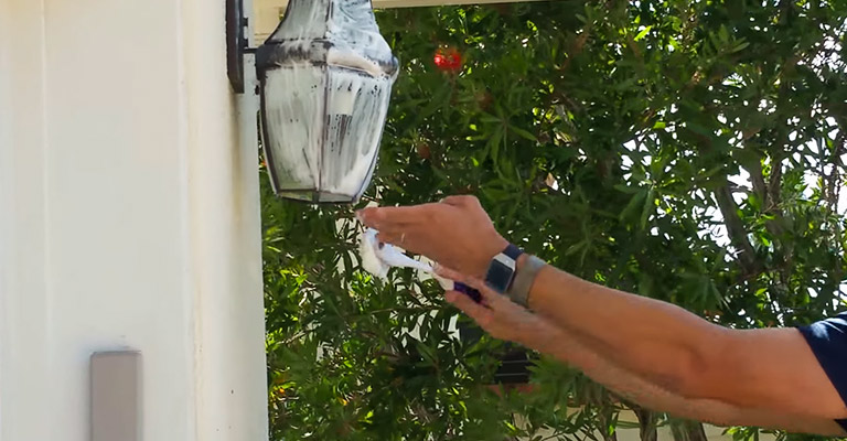 How to Clean Outdoor Brass Light Fixtures