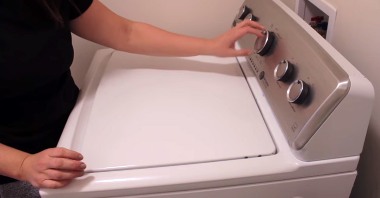 How to Get Smell Out of Towels in Front Load Washer